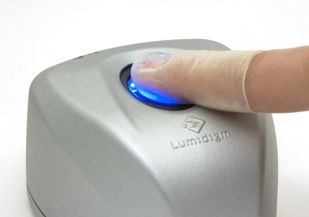 Fingerprint scanner works with gloves